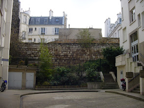 Photo: Another nice section of the Wall at 7 Rue Clovis, topped by the archer's path added by Charles V in the 14th century.