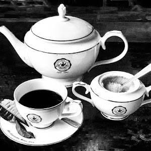 Tea pot11 b&w.jpg
