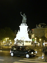 Photo: A statue in Paris...not sure what it is.