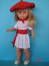 Photo: Conjunto para nancy de San Fermín: Compuesto por falda plisada, camiseta, pañuelo rojo, fajín y txapela: 26 euros más envío