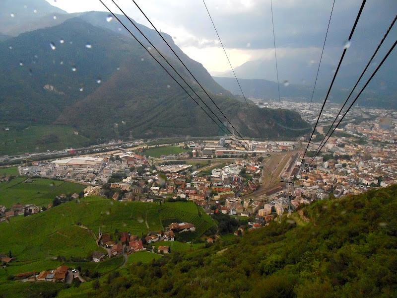 Bolzano tra temporale e vigneti di supergigi