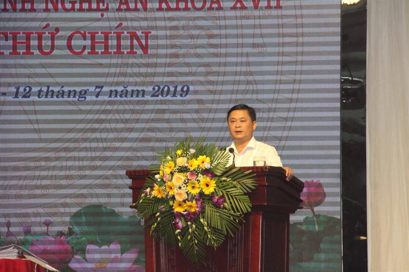 Đồng chí Thái Thanh Quý, Chủ tịch UBND tỉnh phát biểu tại Kỳ họp.