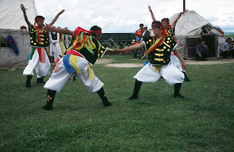 Photo: 03515 経棚郊外/克什克謄旗の旗長の歓迎パーティー/民族舞踊