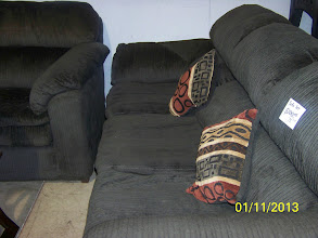 Photo: Sofa Set $75