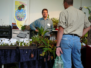 Photo: Dr. Joachim Nerz, offering mainly Nepenthes.