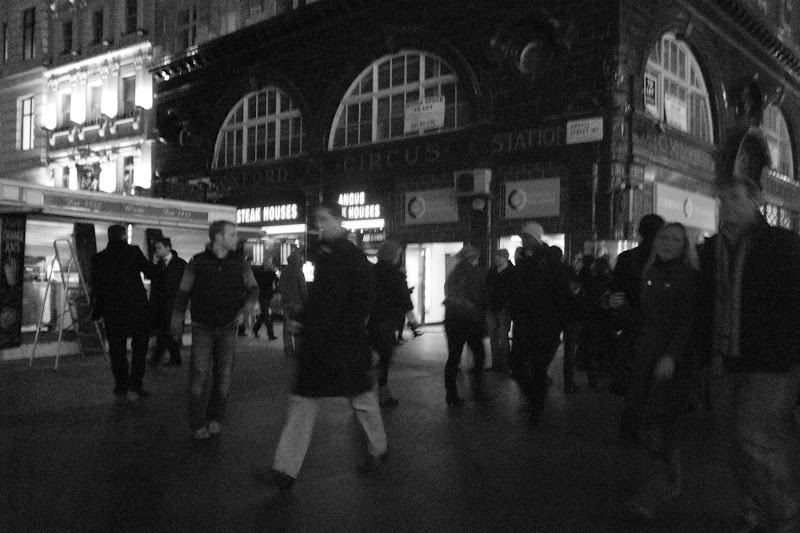 Photo: The street scene from near the Oxford-Circus tube station.
