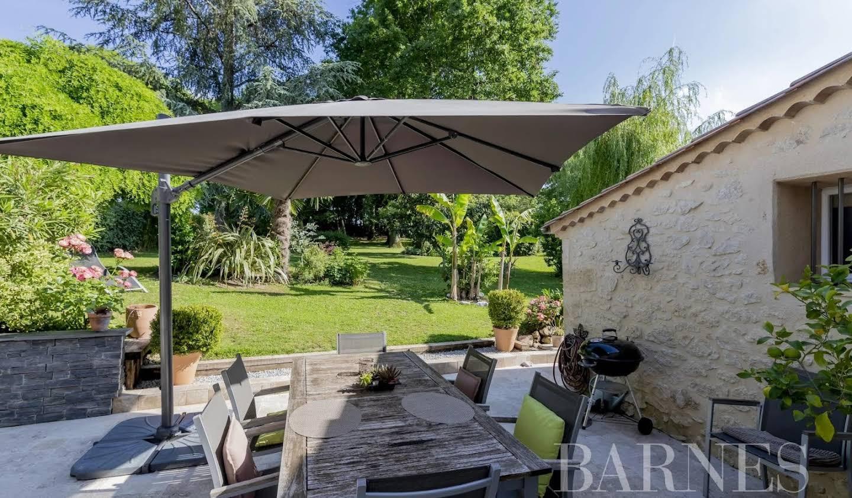 House with terrace Rauzan