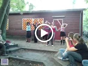 Video: seizoensafsluiting 2009 de Spice Girls op bezoek!