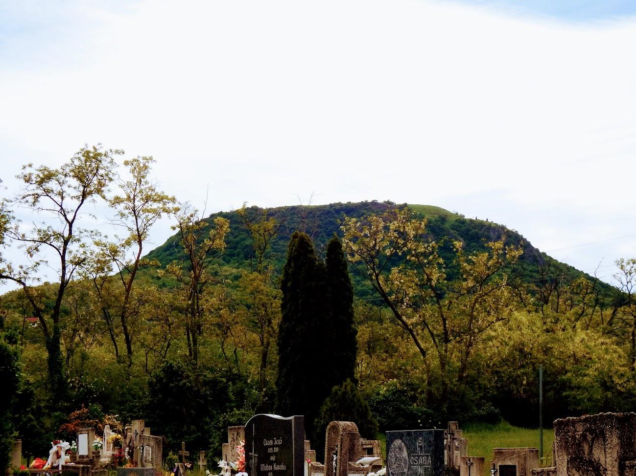 Tapolca-Diszel - Temetőkápolna és keresztút a temetőben