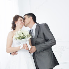 Wedding photographer Vladlena Lobaznikova (vlada235). Photo of 23.07.2017