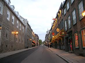 Photo: Quebec yeni bir akşama hazırlanıyor.