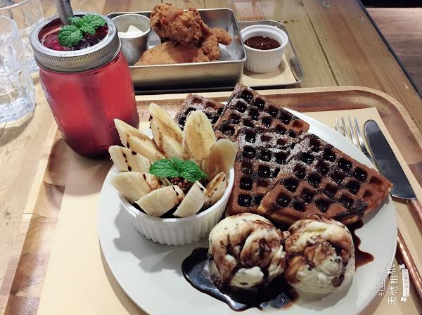 16食 -【台南東區美食】-創意鬆餅三明治-「waffle16」-炸雞必點