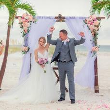 Wedding photographer Aleksandra Savenkova (Fotocapriz). Photo of 26.10.2017