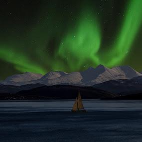 Aurora Borialis by Bjørn Bjerkhaug - Landscapes Starscapes (  )
