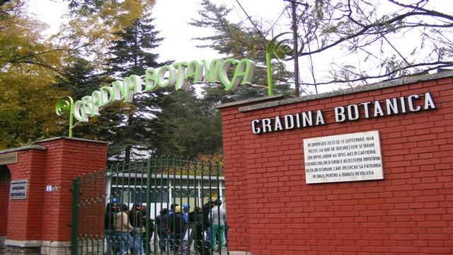 Botanical Garden Bucharest entrance