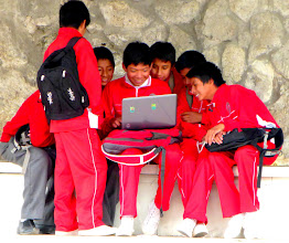 Photo: Schoolboys on the Net, Cuenca