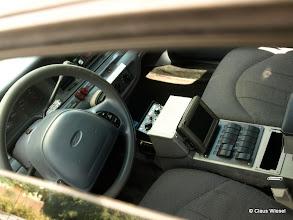 Photo: Original Ford Interceptor Polizeifahrzeug. Schalter, wie in einem Flugzeug!
