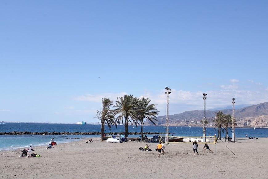 La playa almeriense para disfrutar del 1º domingo de primavera.