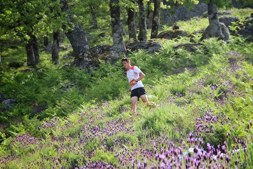 El I Kilómetro Vertical-Carrera de Montaña de Losar de la Vera tuvo gran aceptación entre los corredores y corredoras participantes.