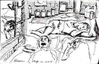 Photo: 擠擠擠(二)2011.08.12鋼筆 監獄超收的情形越來越嚴重,就連馬桶旁都多躺一個人…