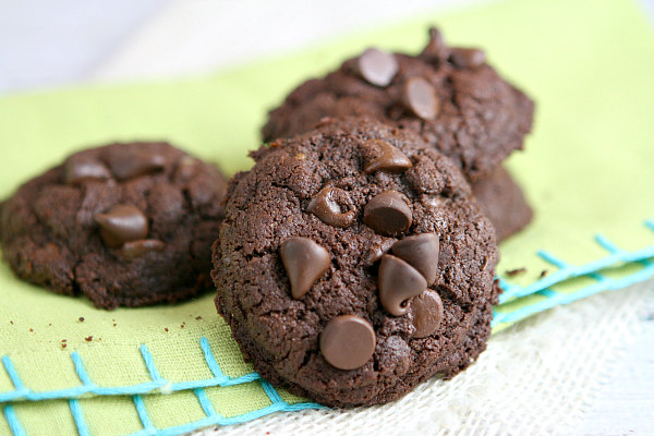 Whole Wheat Double Chocolate Brownie Cookies Recipe | Yummly