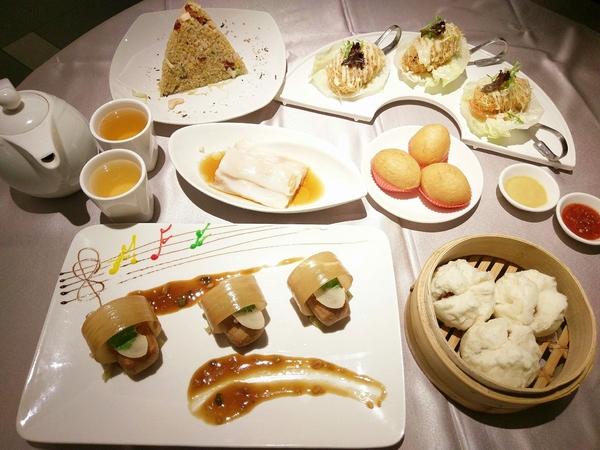 京悅港式飲茶-中友百貨港式料理 餐點選擇多 保留道地港點推車 樸實美味的餐點勝過盤飾優美的藝術菜