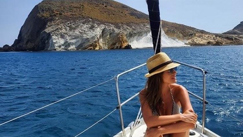 Isabel Jiménez disfruta del mar de la provincia.