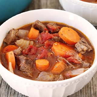 Slow Cooker Beef Soup with Red Wine