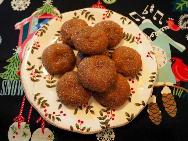 A Plate Of These Glistening Spice Cookies Will Get You In The Holiday Mood.....i'm Thinking With A Cold Glass Of Milk Here!