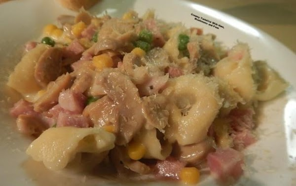 Creamy Tortellini With Ham, Mushrooms And Peas Recipe