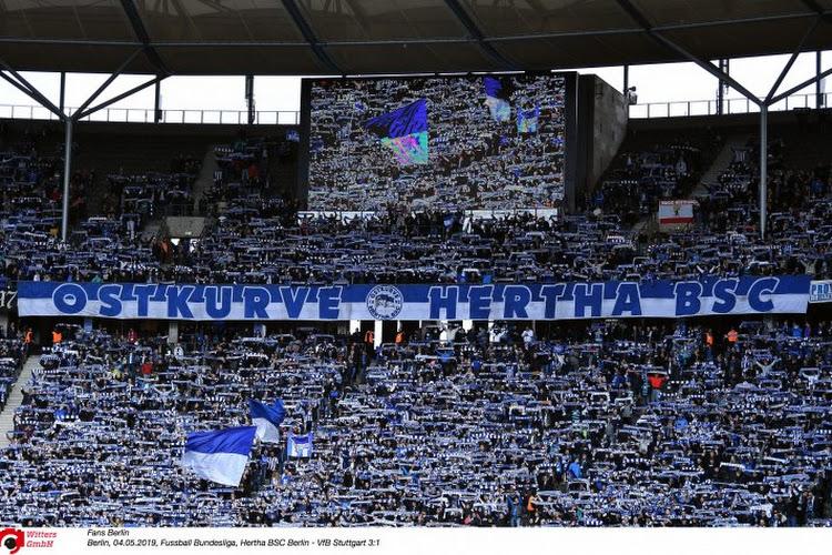 """Le """"Mur de Berlin"""" reproduit sur la pelouse de l'Hertha"""