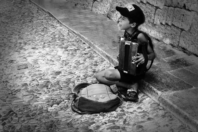 Piccolo artista di strada di Fabio De Vita