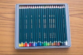 Photo: Derwent Artists-series Coloured Pencils