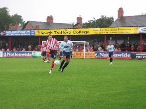 Photo: 03/09/06 v Dagenham & Redbridge (Conference National) 0-5 - contributed by Leon Gladwell