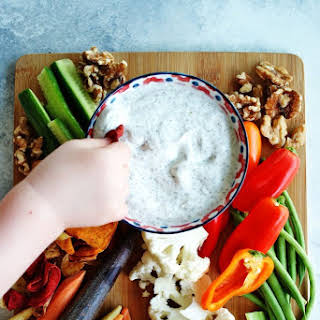 Healthy Greek Yogurt Veggie Dip.