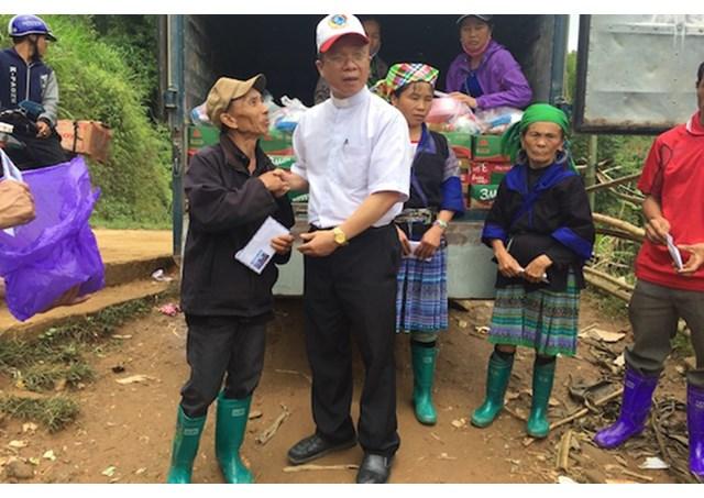 Caritas Việt nam giúp các nạn nhân lũ lụt