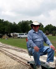 Photo: Bill Howe, conductor on David Hannah's train.    HALS 2009-0919