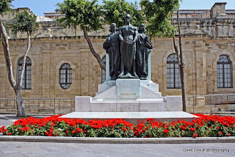 Photo: 2011-04-24. Malta. Valletta. Great Siege Monument.  www.loki-travels.eu
