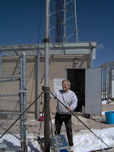 Photo: crank up mast , for 6 elements on 6 k0ip    VHF contest 2007