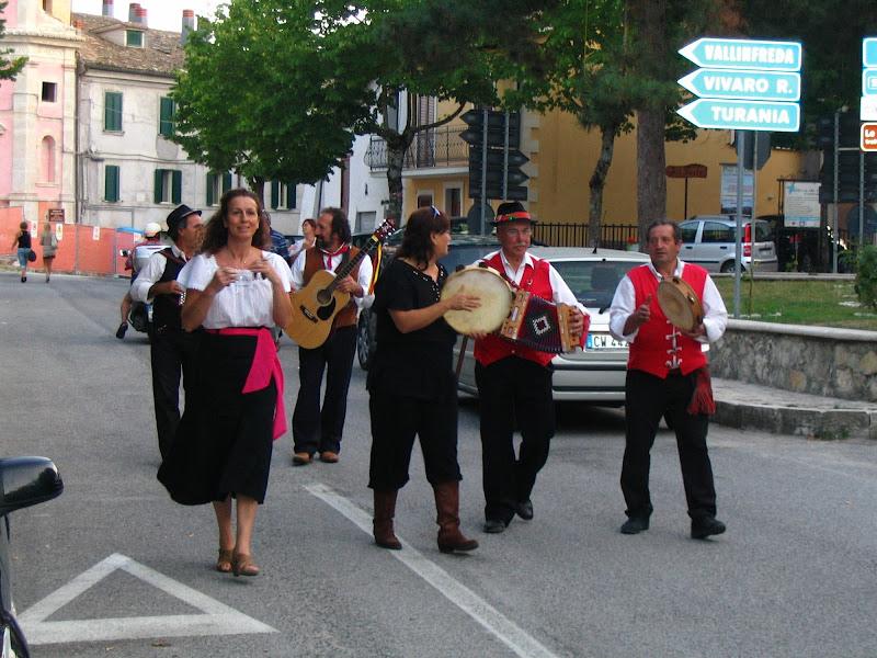 sing and play walking di rob