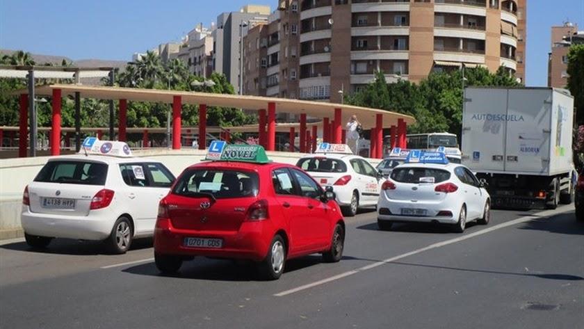 Las autoescuelas de la provincia volverán a abrir a finales de este mes.