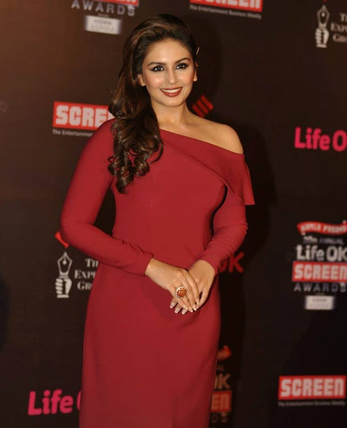 Huma Quershi at Life OK Screen Awards 2013, Huma Quershi red gown, Huma Quershi hot, Huma Quershi sexy
