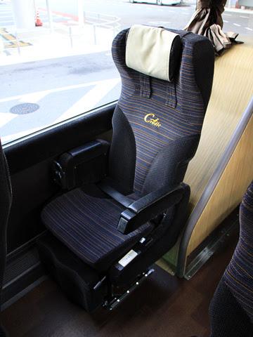 西日本JRバス「グラン昼特急大阪6号」 641-16923 シート