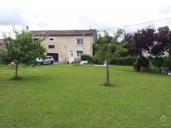 maison à Blanzay-sur-Boutonne (17)