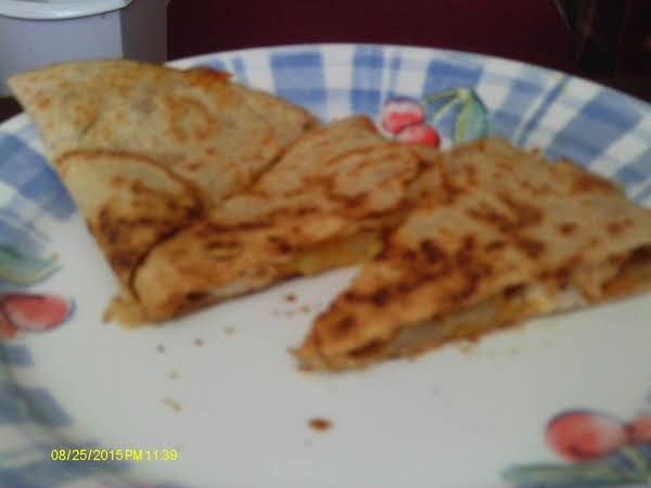 Chicken Apple Cheddar Quesadilla Recipe