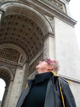 Photo: Paris Arc de Triomphe and oracle Dariussa * Hungarian Sibyls in Paris, remembering mlle Lenormand, esoteric Tour * www.lenormand.hu