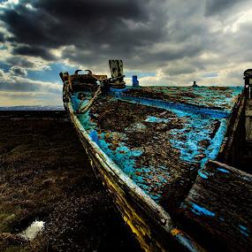 by Derek Tomkins - Transportation Boats
