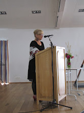 Photo: Svava Bogadóttir skólastjóri setur skólann