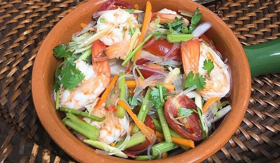 Gỏi miến hải sản đổi vị ngày Hè, vừa ngon vừa giúp giảm cân