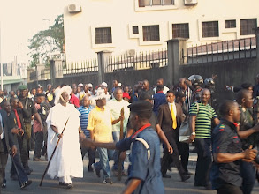 Photo: Governor Fashola walking to the car park after the event